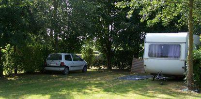 Grands emplacements au camping de Kernejeune dans le Morbihan