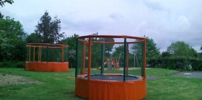 Les nouveaux trampolines sont installés, pour satisfaire les plus petits et aussi les ados... l'aire de jeux du camping d'Arzal ...
