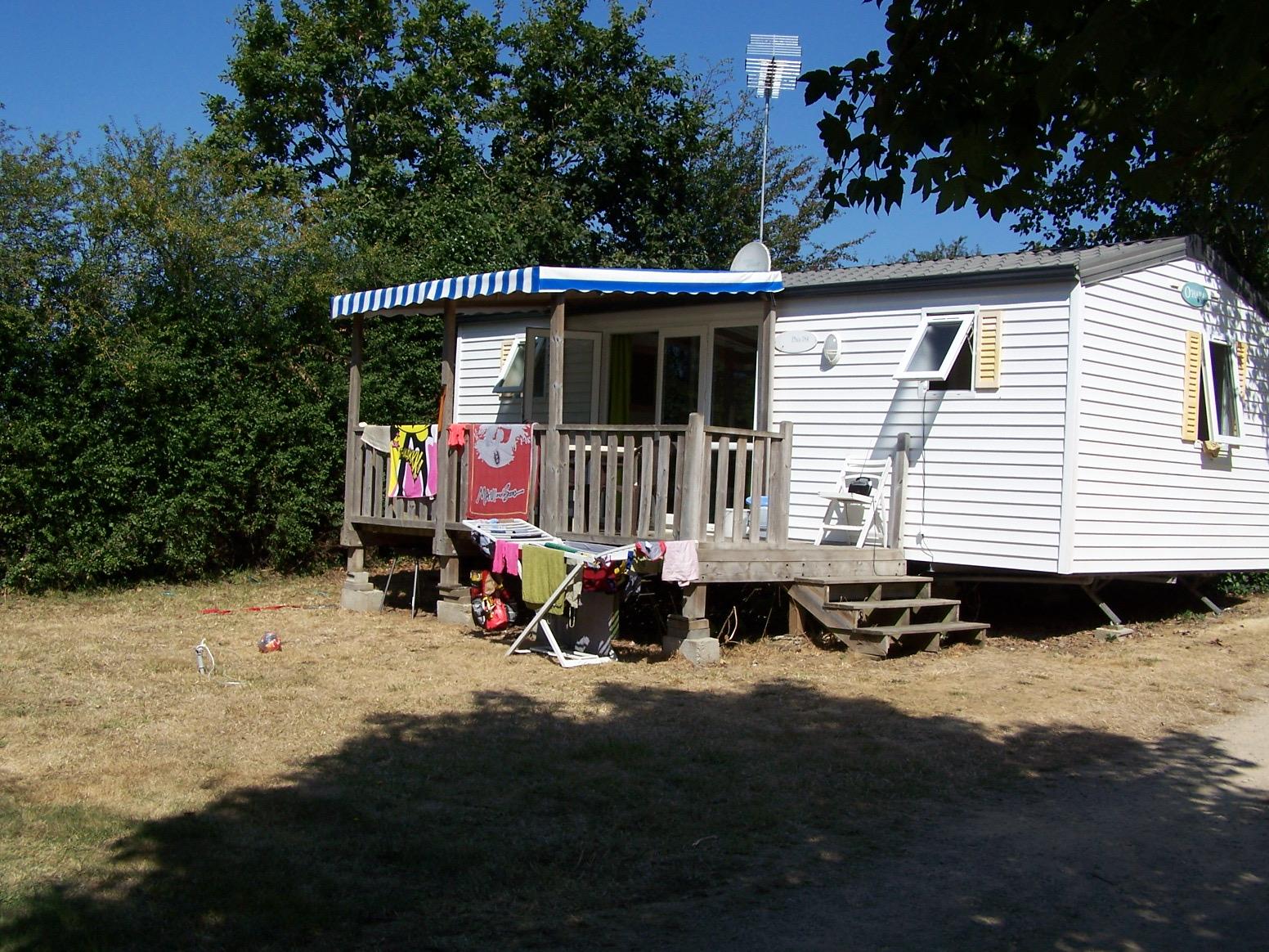 LOCATION MOBIL HOME T3D AVEC TERRASSE COUVERTE - Camping de Kernéjeune